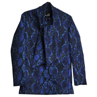 LOVE MOSCHINO 義大利製優雅印花圖騰可拆圍領巾造型外套(寶藍黑/40號)