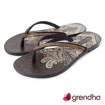 Grendha 金屬質感時尚極簡夾腳鞋-咖啡色