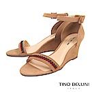 Tino Bellini 巴西進口典雅繡花繫踝楔型涼鞋 _ 奶茶色