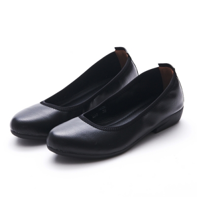 A one  通勤上班素面低跟包鞋-黑色