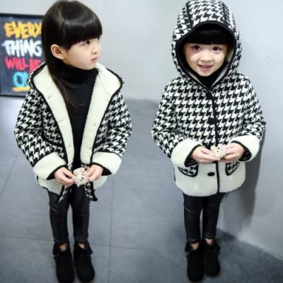小衣衫童裝 黑白大千鳥格連帽羊羔毛大衣外套1061126