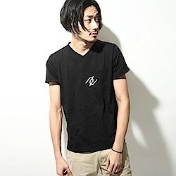 短袖T恤文字印花V領棉Tee(9色) ZIP日本男裝
