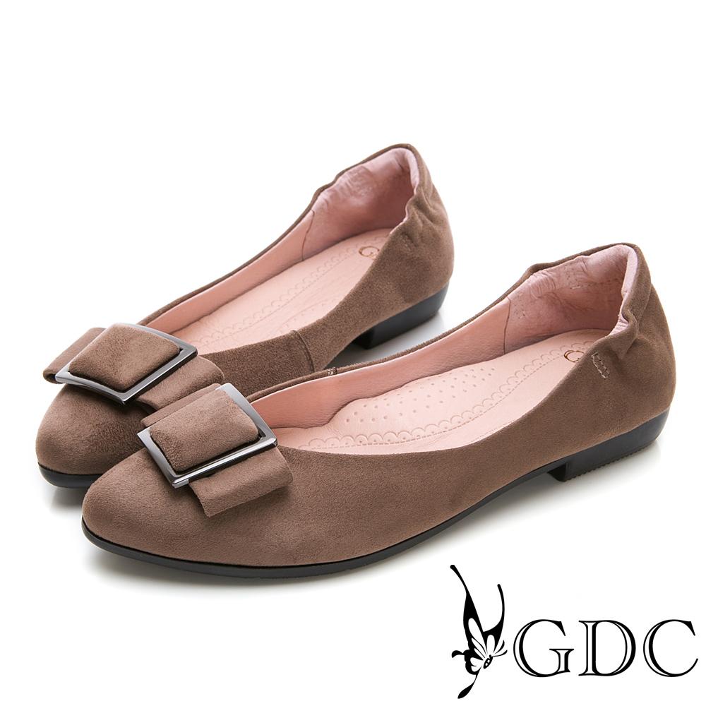 GDC-歐美質感霧面方扣後抓皺尖頭平底鞋-可可色