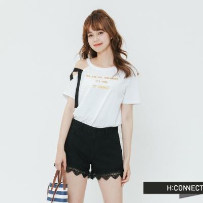 H:CONNECT 韓國品牌 女裝-單邊削肩印字造型上衣-白