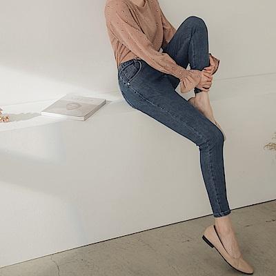 高含棉英倫風細節腰頭修身牛仔窄管褲-OB大尺碼