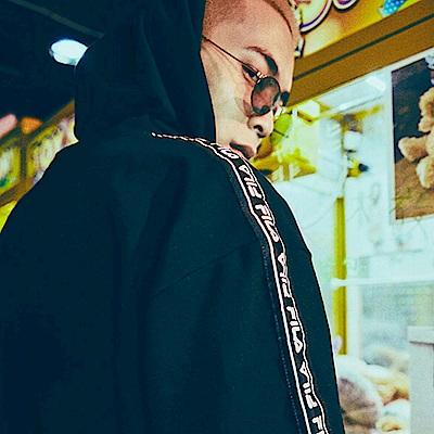FILA x plain-me 聯名系列 短袖連帽T恤-黑1TES-1481-BK