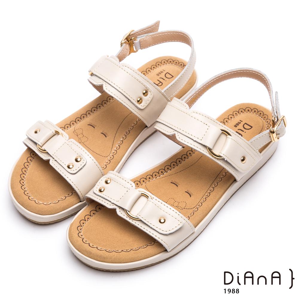DIANA 漫步雲端厚切焦糖美人款-鉚釘造型釦飾真皮涼鞋-米白