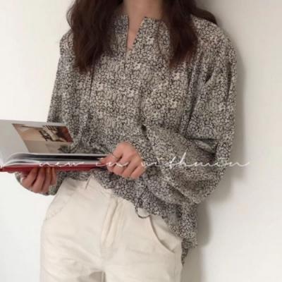 La Belleza滿版碎花V領繫帶綁繩燈籠袖寬鬆前短後長雪紡衫