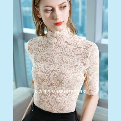 專注內搭-杏色蕾絲衫透視內搭半高領鏤空上衣(三色S-2XL可選)