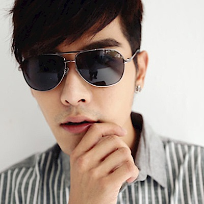 BuyGlasses 熱銷飛官金屬太陽眼鏡