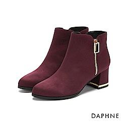 達芙妮DAPHNE 短靴-鏤空方框金屬裝飾粗跟金邊短靴-酒紅