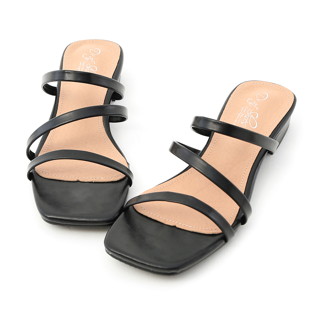 D+AF 夏日印象.三條帶方頭低跟涼拖鞋*黑