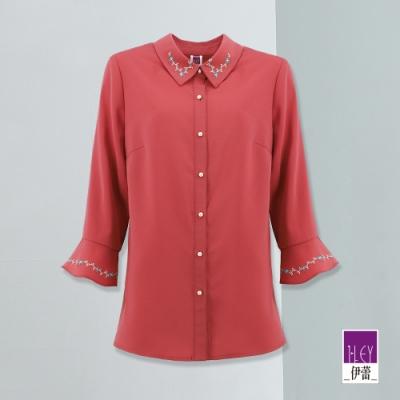 ILEY伊蕾 復古刺繡妝點珍珠扣襯衫(紅)