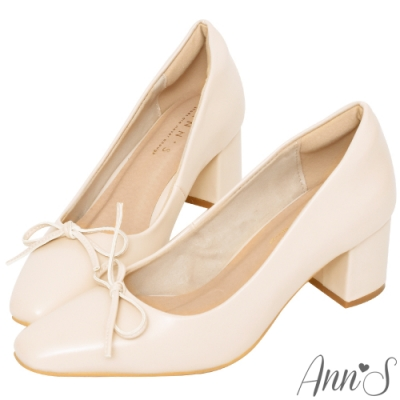 Ann'S法式優雅-油皮細緻蝴蝶結粗跟方頭跟鞋-杏