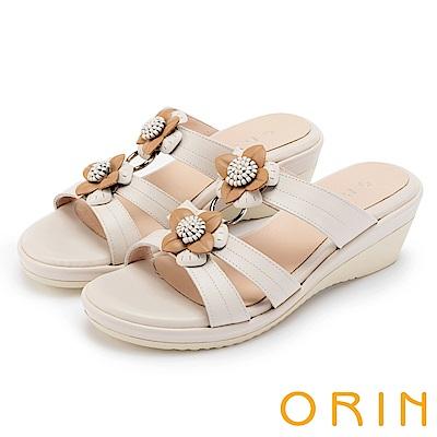 ORIN 愜意渡假風情 嚴選牛皮盛開花朵楔型拖鞋-白色