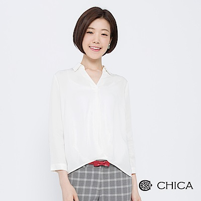 CHICA 法式慵懶風V領打褶剪裁襯衫(2色)