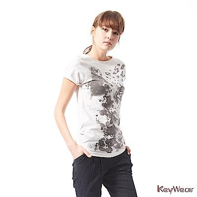KeyWear奇威名品    百搭棉T潑墨印花水鑽點綴短袖上衣-白色