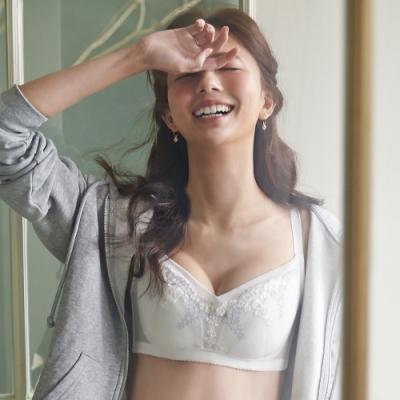 蕾黛絲-透透氣順型無鋼圈 C罩杯內衣 婚紗白