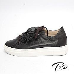 【T2R】全真皮手作花朵造型綁帶隱形內增高鞋-增高5公分-黑
