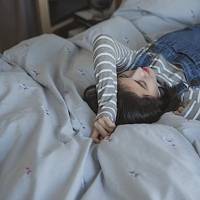 翔仔居家 新疆棉系列 單人刺繡被套 - 銀灰藍x鯊魚