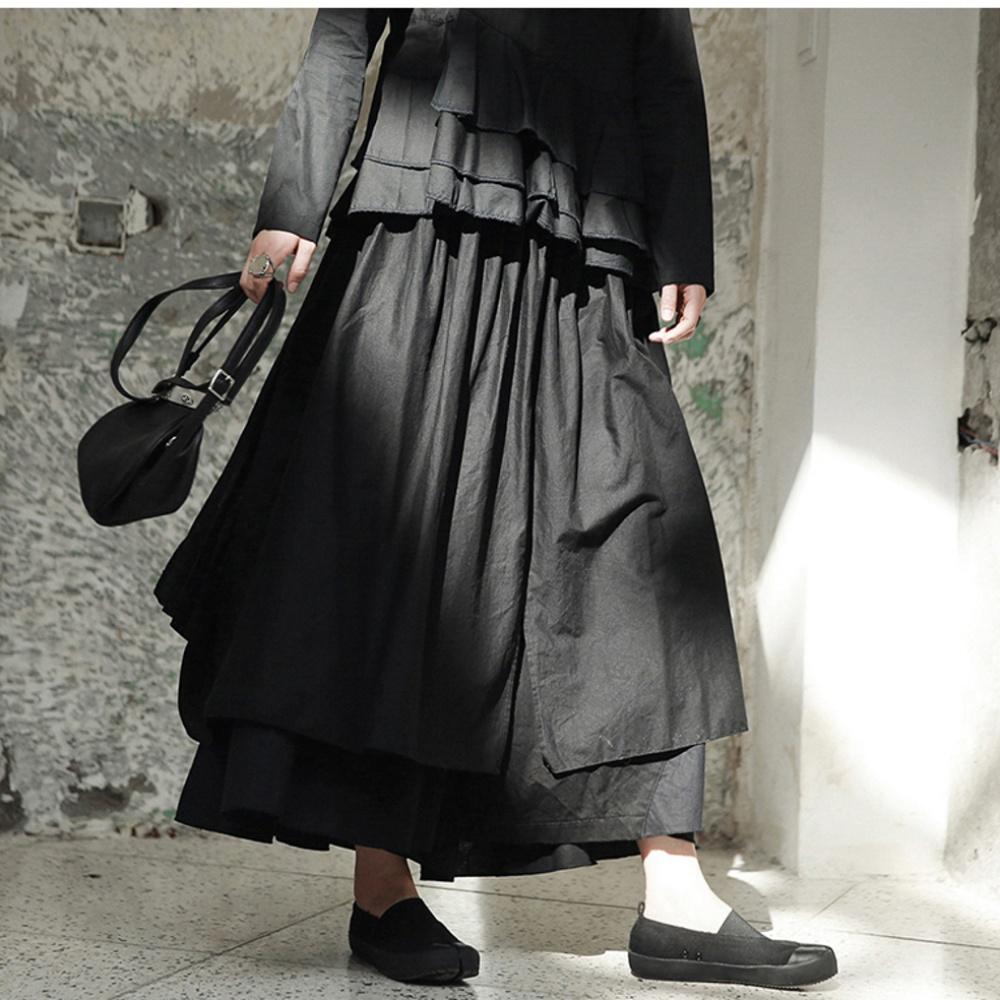 設計所在Style-早秋暗黑風後開叉多層疊設計長褲裙 K-382