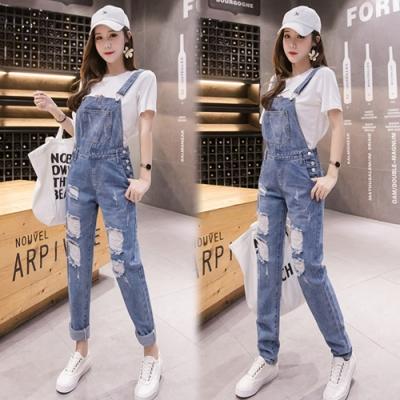 【韓國K.W.】(預購)舒適刷白破口連身牛仔吊帶褲-1色