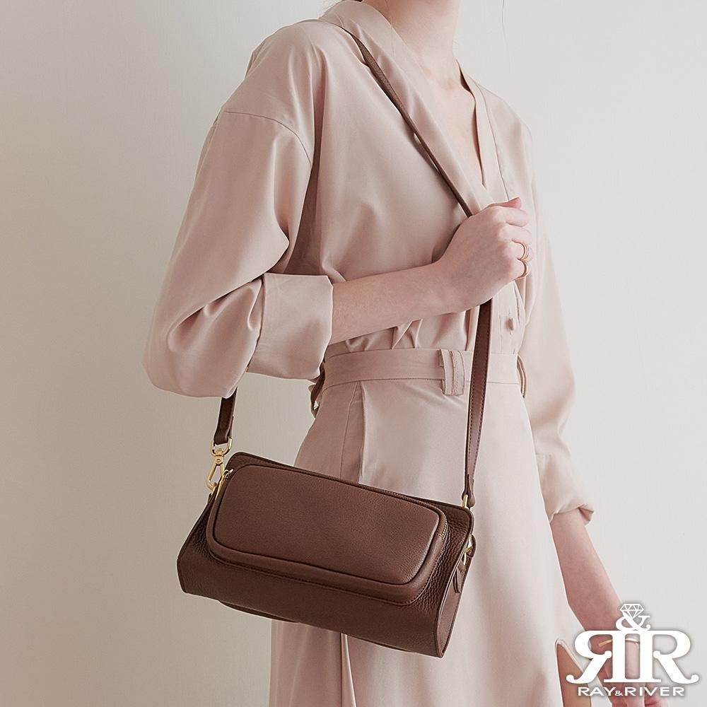 2R Dual寬帶造型雙用斜背口袋包 可可咖