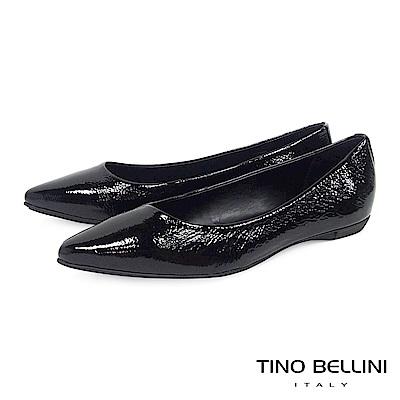 Tino Bellini巴西進口牛漆皮紋尖楦娃娃鞋_黑