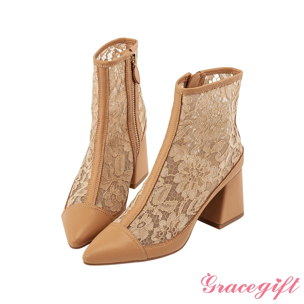 Grace gift X Rui-聯名雕花蕾絲粗跟短靴 卡其