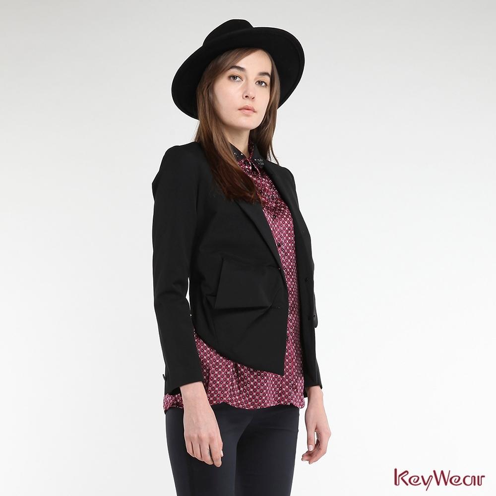 KeyWear奇威名品     立體抓皺帥氣西裝外套-黑色