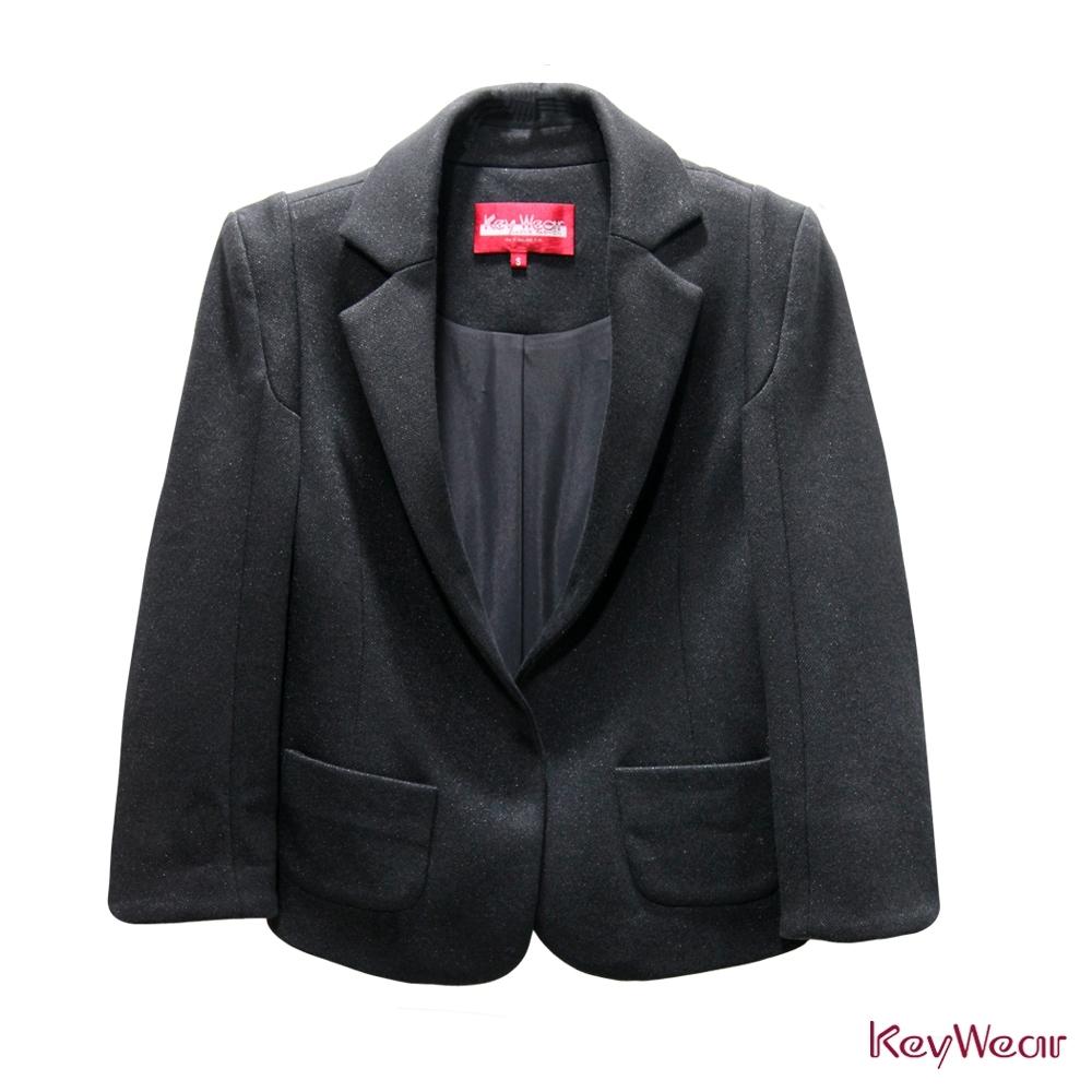 KeyWear奇威名品     都會商務首選短版西裝外套-黑色