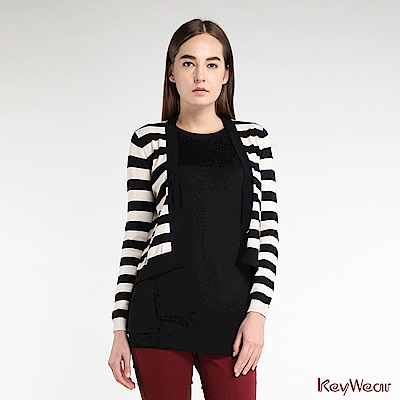 KeyWear奇威名品    簡約黑白條紋緹花圖紋不規則針織外套-卡其色
