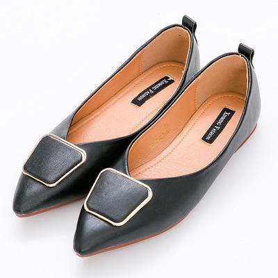 River&Moon中大尺碼-幾何扣飾Q軟橡膠平底尖頭鞋-黑