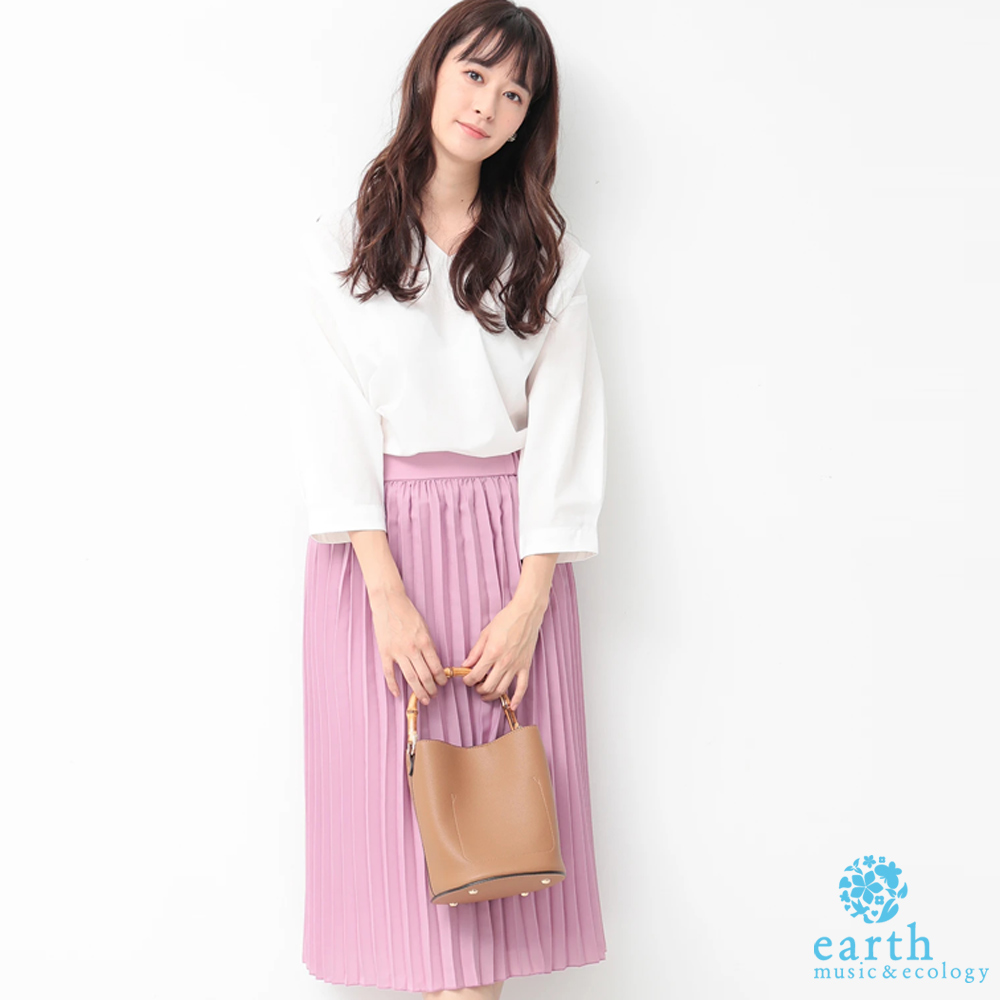 earth music 【SET ITEM】素面V領上衣+定番百褶裙