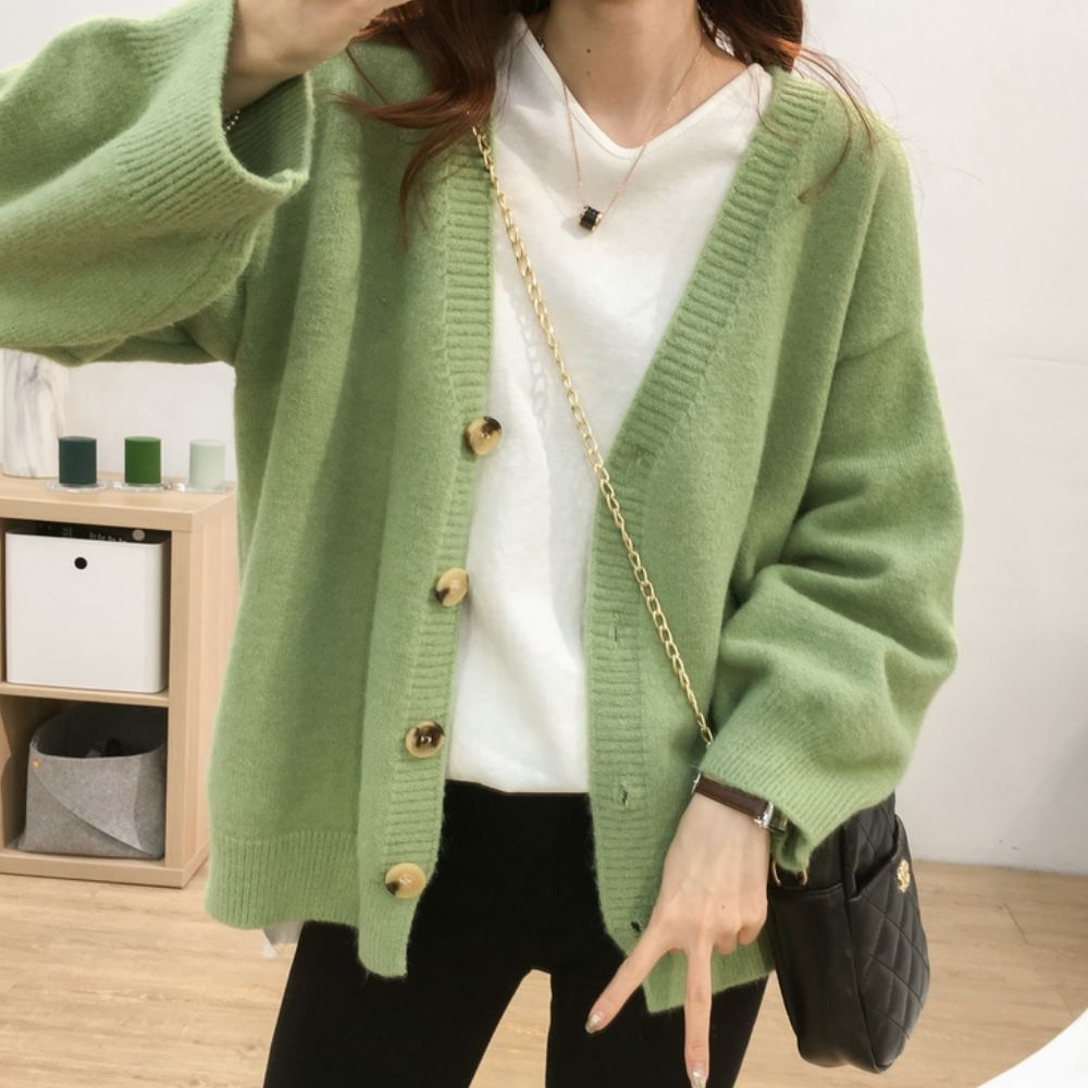 La Belleza羊駝絨素色排釦V領開釦針織毛衣外套
