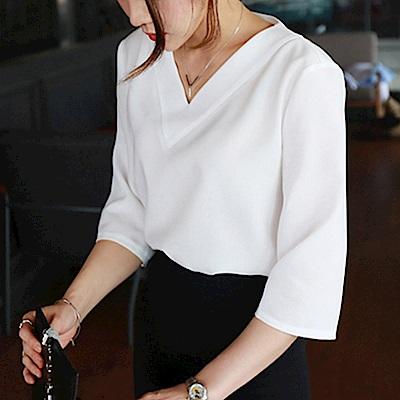 HERA 赫拉 V領簡約純色淑女襯衫-3色