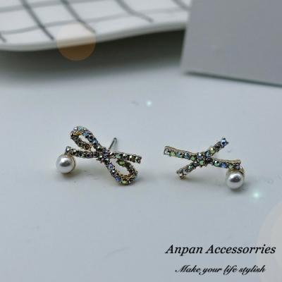 【ANPAN愛扮】韓東大門R交叉蝴蝶結珍珠彩鑽925銀針耳釘式耳環