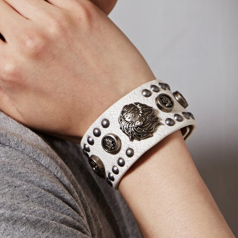 地藏小王 BLUE WAY –地藏鉚釘皮製寬手環(白色)