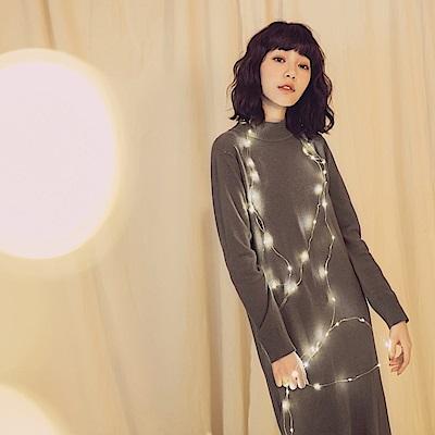 純色小高領包芯紗針織洋裝-OB大尺碼