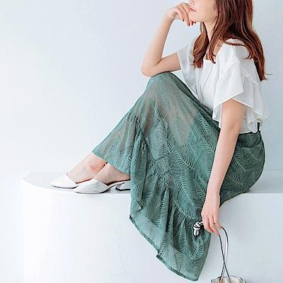 iMODA STAR-臧芮軒。滿版細膩蕾絲魚尾長裙