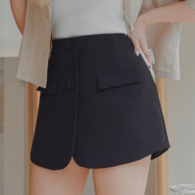 AIR SPACE PLUS 中大尺碼 細節口袋排釦褲裙(黑)