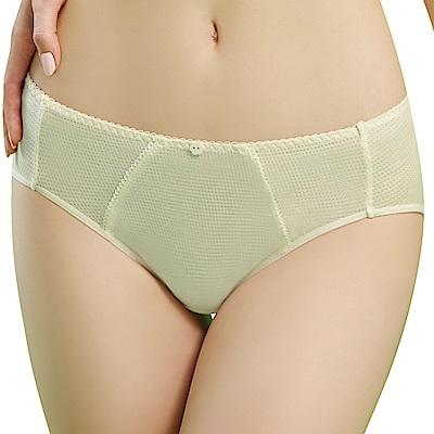 思薇爾 豬寶貝自由風系列M-XXL素面中腰三角內褲(香草奶)