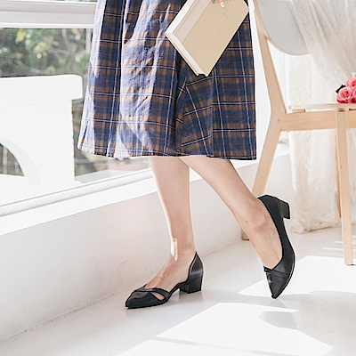 台灣製造.優雅側簍空低跟鞋-OB大尺碼