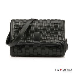 La Moda時尚零時差手工編織輕巧簡約肩背斜背小方包(黑)