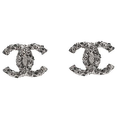 CHANEL 經典大雙C LOGO水鑽交互鑲嵌穿式耳環(銀)