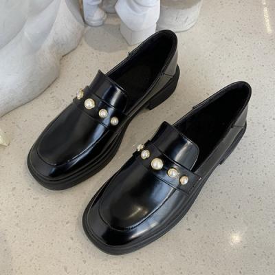 KEITH-WILL時尚鞋館 復古女孩個性珍珠造型皮鞋-黑