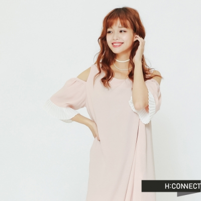 H:CONNECT 韓國品牌 女裝 -露肩百折拼接連身洋裝-粉(快)