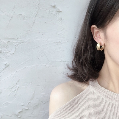 梨花HaNA 韓國S925銀針啞金C型手作粗圈耳環