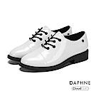 達芙妮DAPHNE 休閒鞋-繫帶亮面牛津復古休閒鞋-白