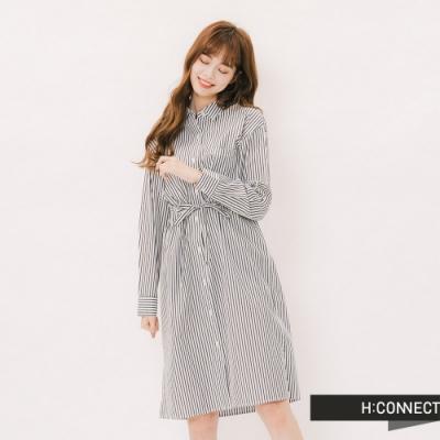 H:CONNECT 韓國品牌 女裝 - 附腰帶直條長版襯衫 - 黑